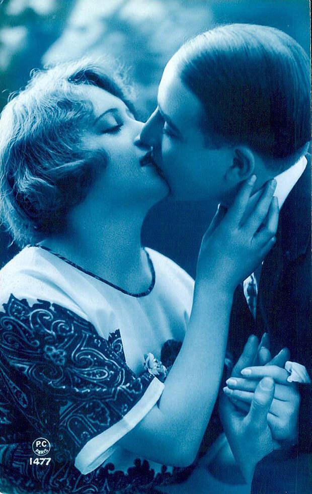 Французские открытки, в которых показано, как романтично целовались в 1920-е годы 20
