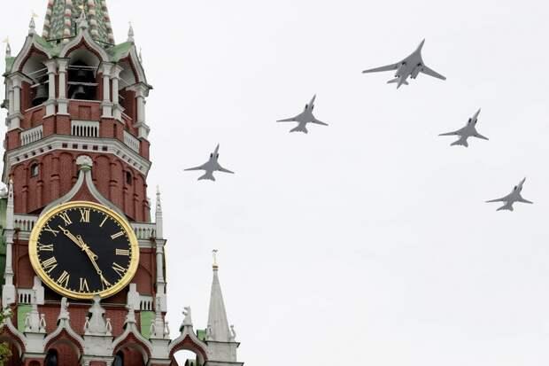 Воздушный парад в честь 75-й годовщины Победы в Москве