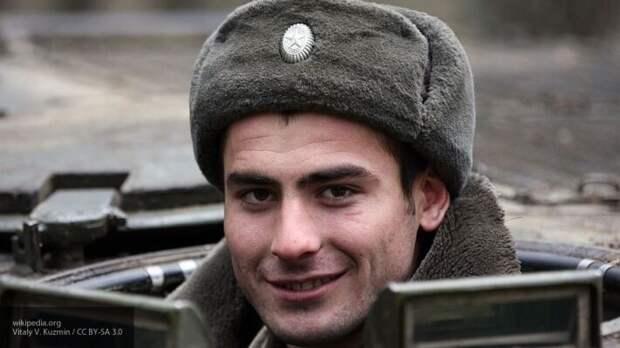 Полковник Хатылев назвал шапку-ушанку стратегически важным атрибутом военных
