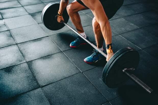 Центр физкультуры на Мячковском подготовил тренировку для начинающих тяжелоатлетов
