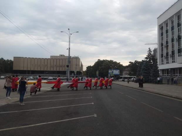 В Краснодаре празднуют День города