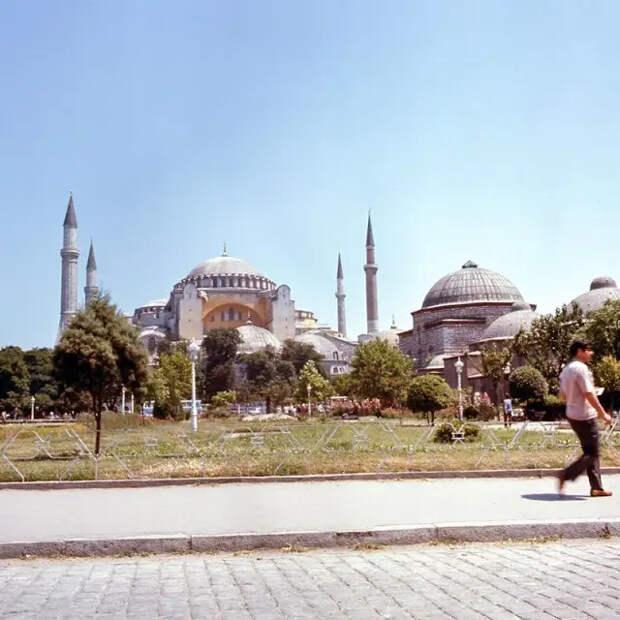Стамбул — город контрастов: уличная жизнь 70-х годов