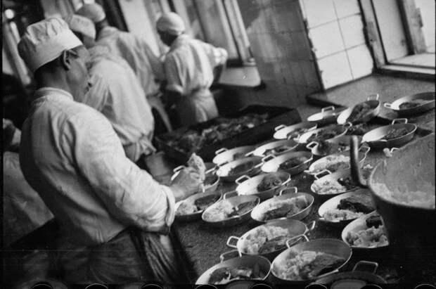 Фабрика-кухня. Рабочие столовые. № 3 Александр Родченко, 1929 - 1932 год, г. Москва, МАММ/МДФ.