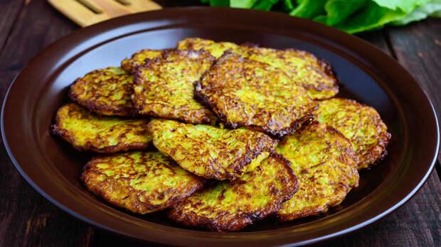 Вкусно и быстро: оладьи из кабачков на сковороде
