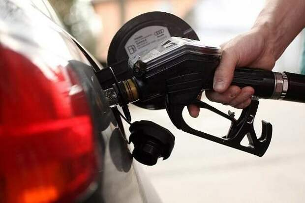 Снизил расход топлива на 2 литра в зимний период.