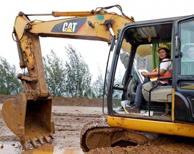 Кем работают женщины: профессионалки, овладевшие сложными и интересными специальностями