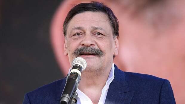 Сеть взорвал новый стих назвавшего «бессмысленным» Парад Победы актера Назарова