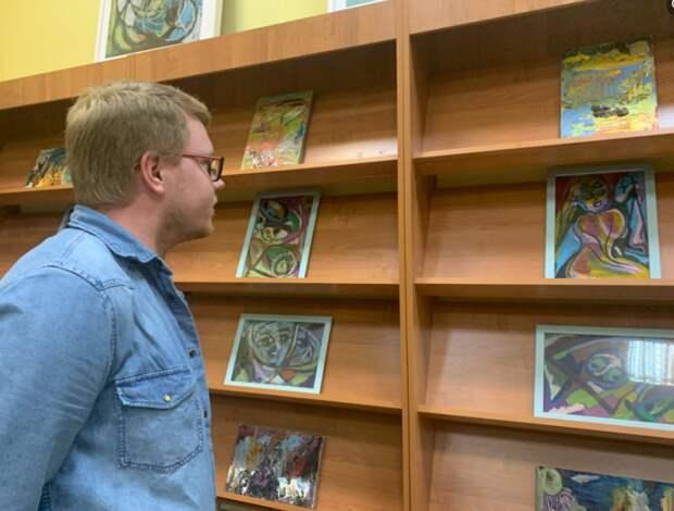 Выставка картин столичной художницы открылась на Новопесчаной