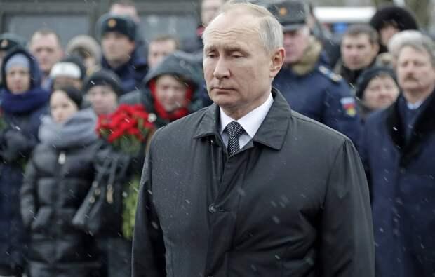 Путин посетил Псков для возложения цветов к мемориалу 6-й роты
