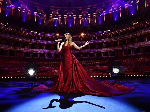Концерт Кэти Дженкинс в пустом Royal Albert Hall 8 мая