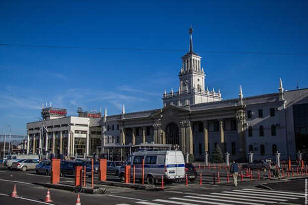В Краснодаре мальчик выпал из окна гостиницы у железнодорожного вокзала