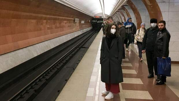 """Москвич погиб под колесами поезда в метро на станции """"Кунцевская"""""""