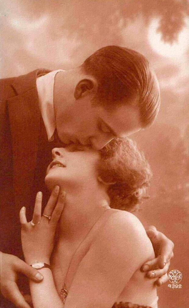 Французские открытки, в которых показано, как романтично целовались в 1920-е годы 36