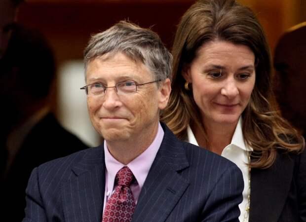 Билл Гейтс покинул совет директоров Microsoft из-за романа с сотрудницей