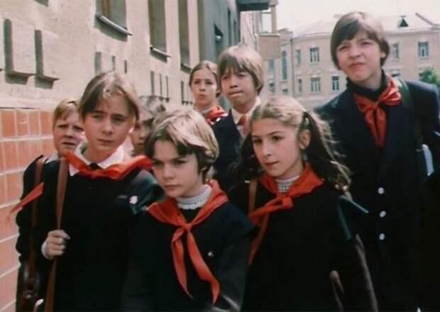 12 фактов олюбимой детской фантастике «Гостья избудущего»