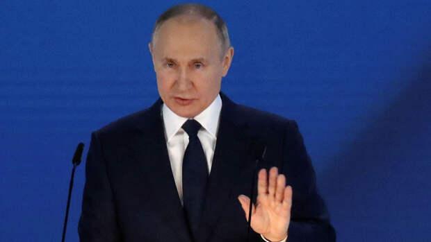Песков назвал черту, за которую не следует переходить западу в отношениях с Россией