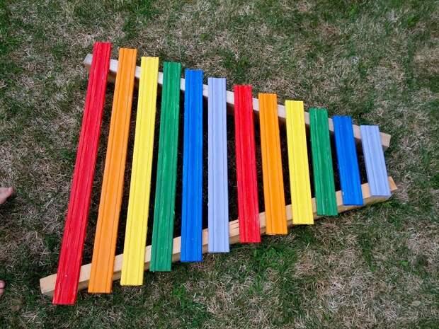 Отличный ксилофон получится из заборных досок. / Фото: asiaphoto.com