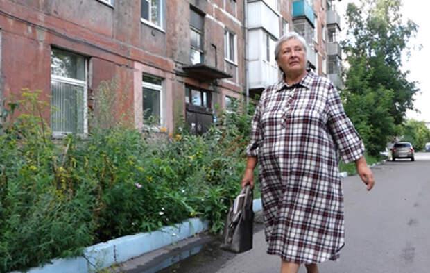 Спасшую выпавшего из окна ребенка в Новокузнецке наградили