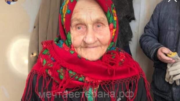 Тиктокерша исполниламечту 92-летней участницы ВОВ о постройке бани