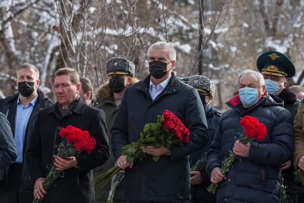 Глава Крыма почтил память погибших воинов-интернационалистов