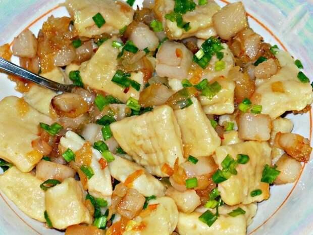Рецепты по четвергам. Картофельные ньокки с салом и луком