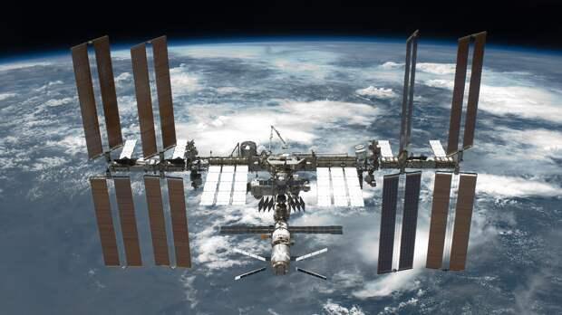 Космонавты поднимут орбиту МКС на 350 метров