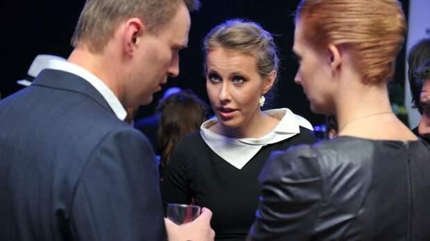 Что-то пошло не так: Собчак протягивает руку падшему Навальному
