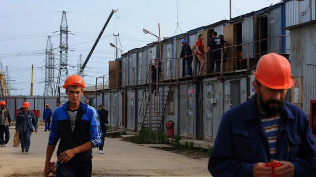 Патрушев призвал повысить уровень безопасности в местах проживания мигрантов