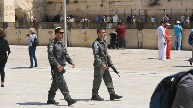 Полиция Израиля приступила к штурму мечети аль-Акса на Храмовой горе