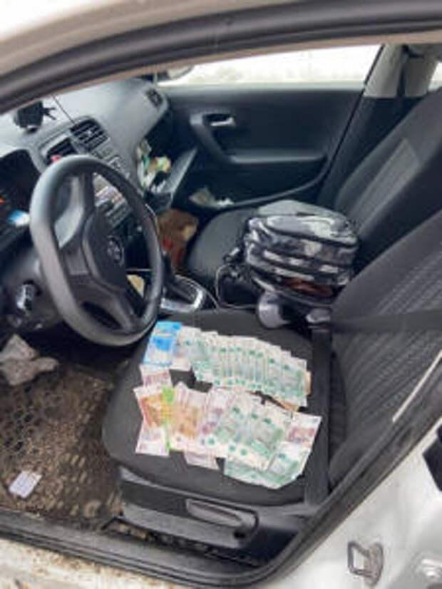 Бдительный нижегородец помог полицейским задержать злоумышленника, пытавшегося сбыть поддельные денежные купюры