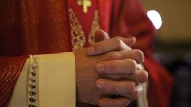 Бывший кардинал Ватикана обвиняется в сексуальном насилии