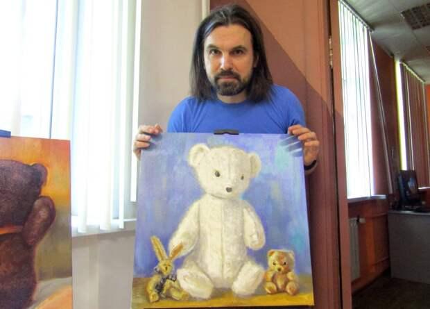 На выставке «Плюшевое лето» в ЮВАО показали картины Вани Волжского