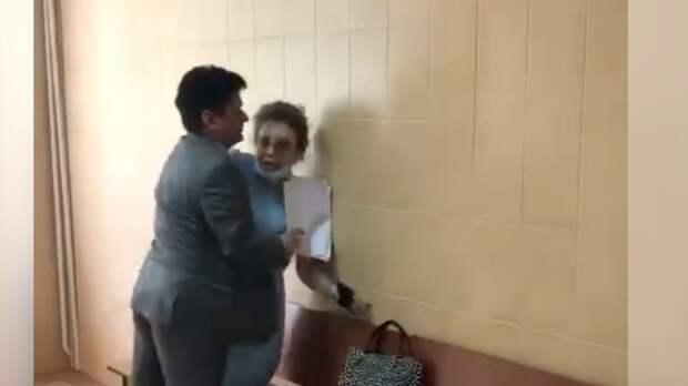 Божена Рынска набросилась на соседку в суде из-за слов про Малашенко