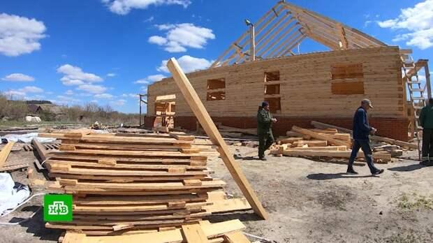 Из города в глубинку: молодые семьи в ипотеку строят дома в умирающей деревне