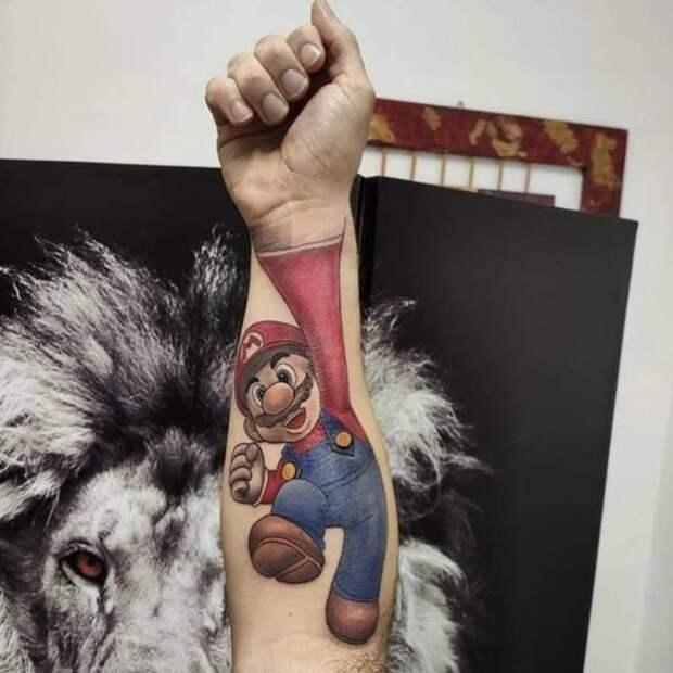Татуировка на руке Супер Марио