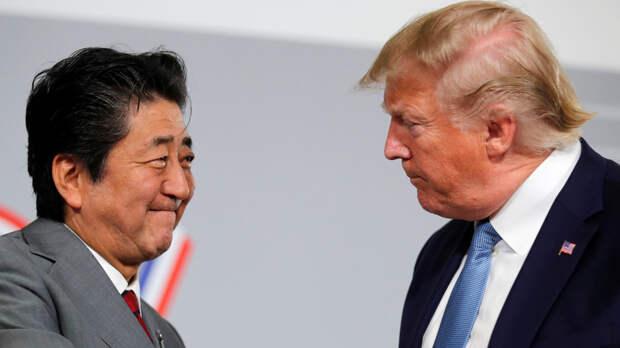«Унижающийся» перед Россией Абэ вызвал недовольство своих хозяев