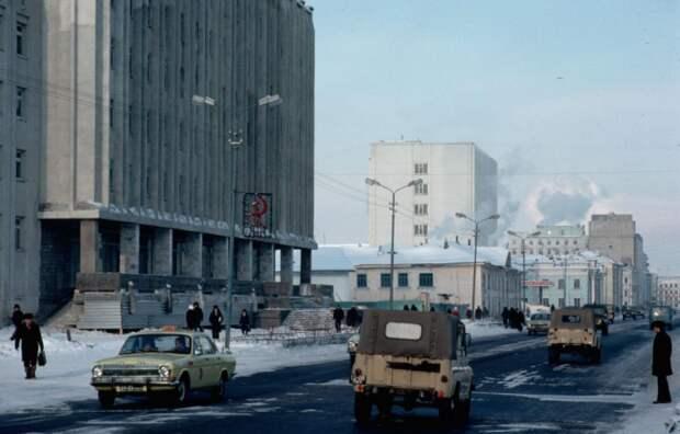 В СССР даже в крупных городах пробок на дорогах в принципе никогда не было / Фото: m.fotostrana.ru