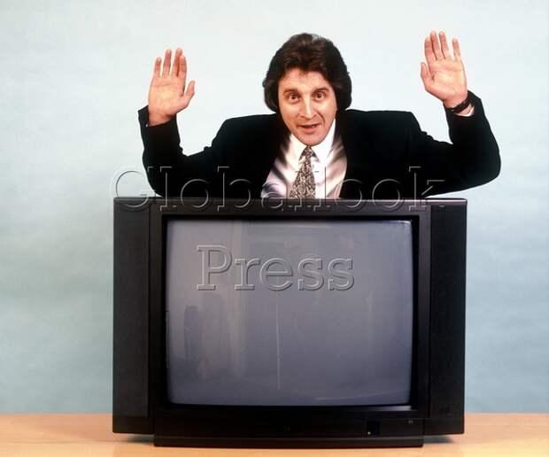Акциз против телевизора: правовая коллизия объединила пульты и может оставить заводы без дела