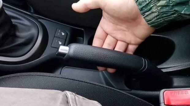 Такие разные ручники: в чем особенности механического и электрического стояночного тормоза