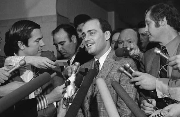 Рок-звезда среди серийных убийц: история Чарльза Мэнсона и его секты