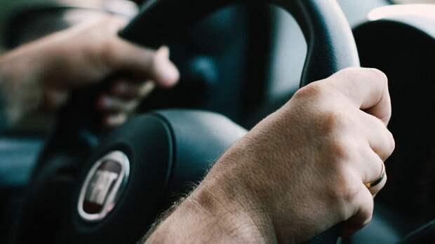 Страдающим тяжелой формой депрессии россиянам посоветовали отказаться от вождения
