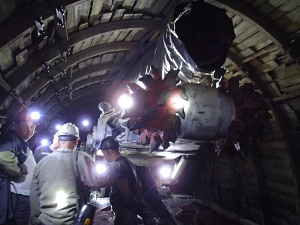 Взрыв и пожар на шахте в Донецке: найдены тела всех погибших горняков