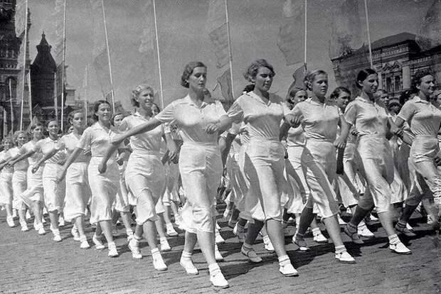 Стандарты женской красоты в СССР: полные и скромные