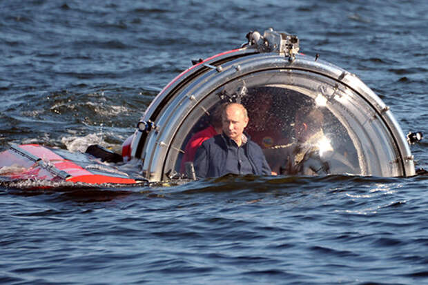 """Иностранцы: """"только Путин мог прибыть на Черное море в подводной лодке!"""""""