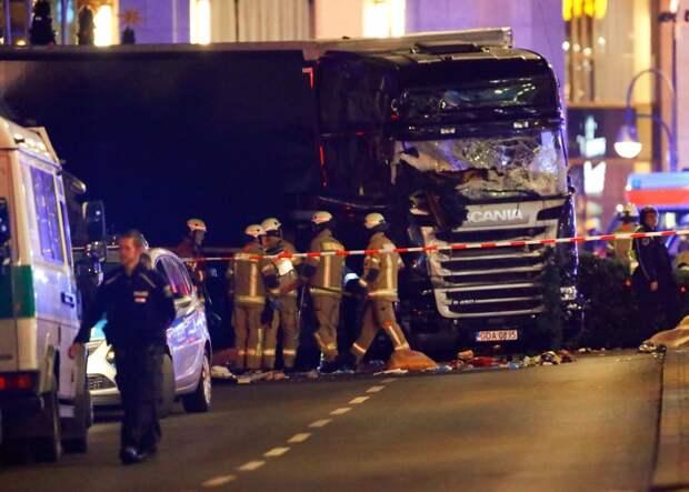 Полиция Германии считает, что въезд грузовика на ярмарку в Берлине был терактом