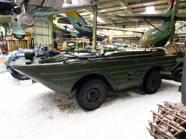 ГАЗ-46 – самая известная амфибия советской армии