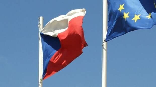 Прага может продолжить высылать российских дипломатов
