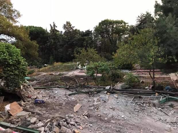 Жителей Крыма взволновали строительные работы на территории Меласского парка