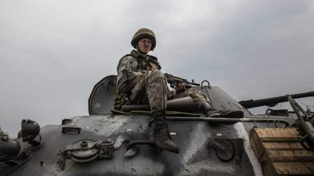 Сигналом для нападения Киева на Донбасс станет поездка Путина в Крым