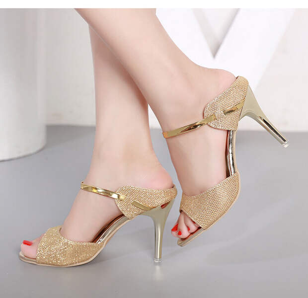 Стильная и удобная обувь лета 2020 для женщин 50+